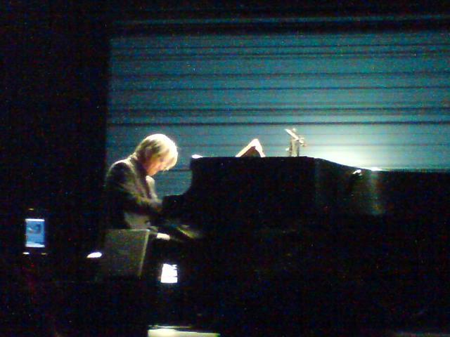 Ryuichi Sakamoto Playing The Piano 2009 @ Fukuoka.